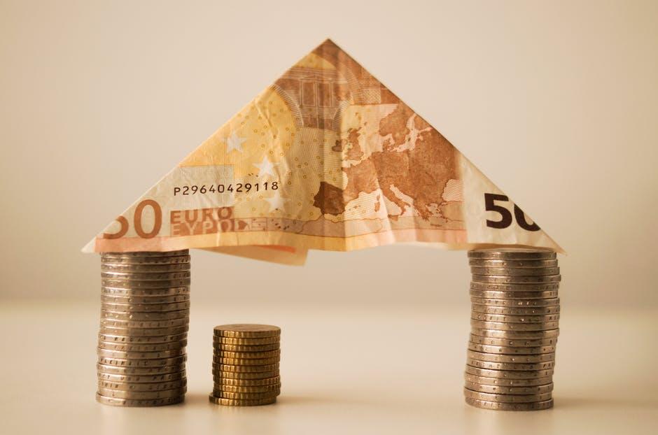 Kredyt hipoteczny dla singla czy pary – co wybrać?