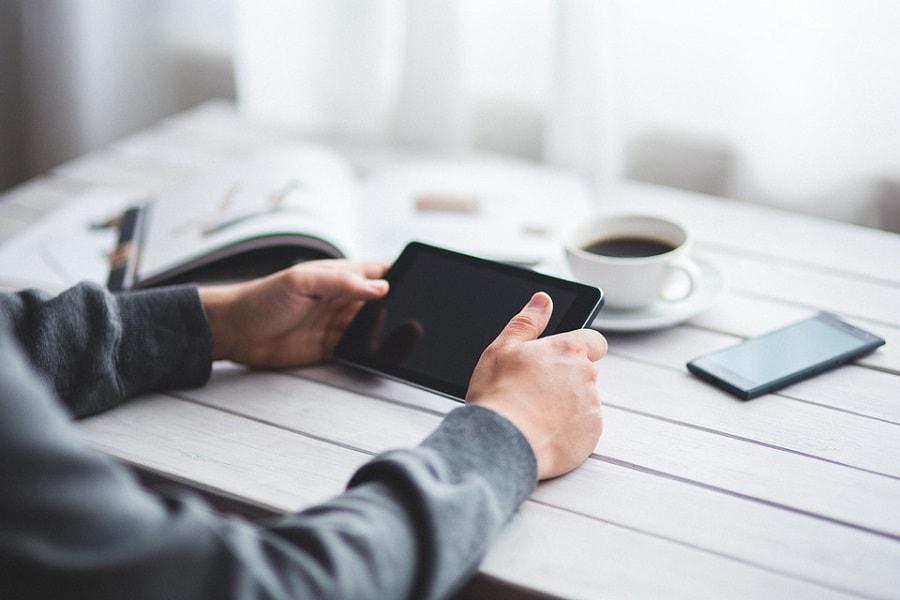 Przydatne akcesoria do tabletu – w jakie warto zainwestować