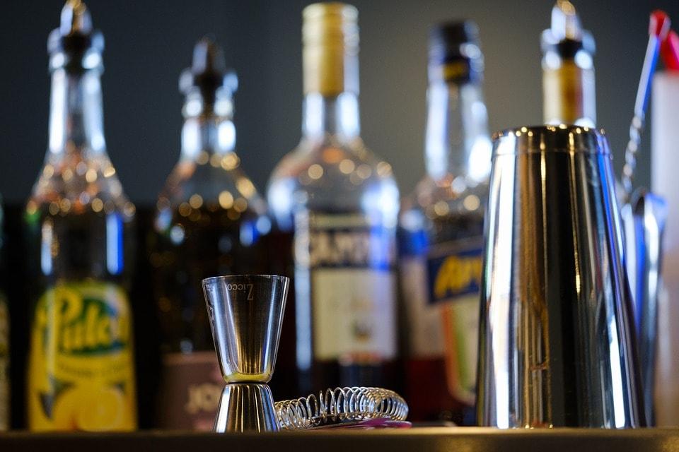 Akcesoria barowe – 5 najważniejszych przyborów, które warto kupić na początek